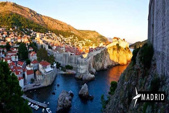 Descubre Dubrovnik, una de las ciudades más encantadoras y turísticas de Croacia con vuelo directo desde Madrid y 4 noches en hotel con desayuno ¡Maravíllate!