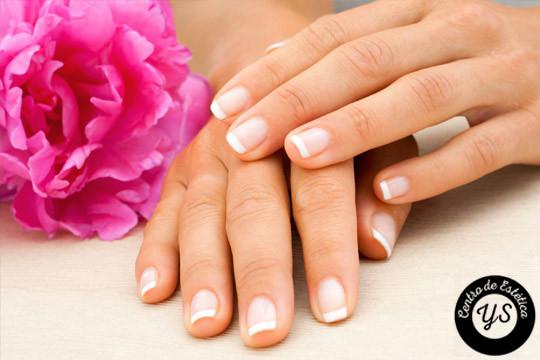 La elegancia reside en los pequeños detalles, luce tus uñas perfectas con este completo tratamiento de manicura permanente ¡Cuida tu imagen!