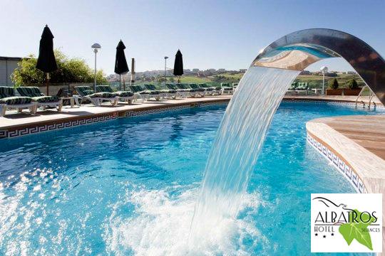 Noche con desayuno + circuito Spa de 60 min y opción a cena en el hotel Albatros de Suances ¡Una escapada relax a Cantabria!