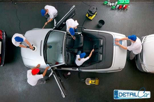 En DetailCar dejarán tu coche como nuevo con una limpieza profunda y tratamiento de desinfección ¡Y puedes añadir limpieza exterior, renovación de plásticos y más!