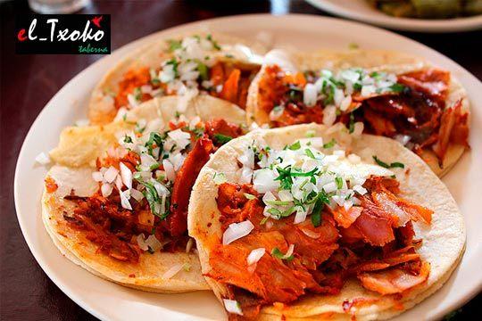 Disfruta del más puro sabor mexicano con este menú para dos con nachos, 6 tacos a elegir y bebida en El Txoko Taberna ¡Viva México!