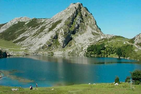 Escápate a Asturias: Estancia de 2 noches con desayunos ¡En abril!