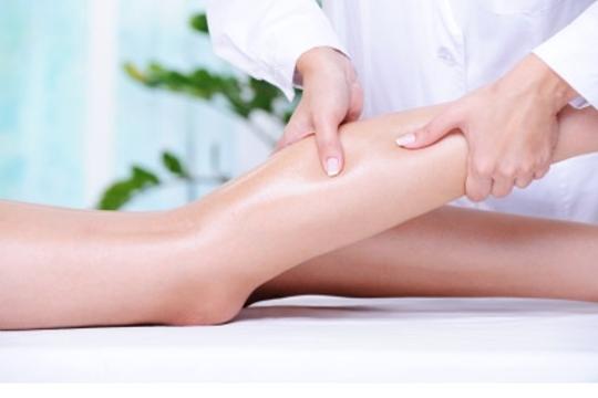 En Estética Aitara te harán sentirte bien con un reconfortante masaje de pies y piernas ¡30 minutos de relax!