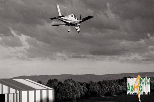 Bautizo aéreo en avión ultraligero en La Rioja ¡Pasión por los aviones, las emociones fuertes y las buenas vistas!