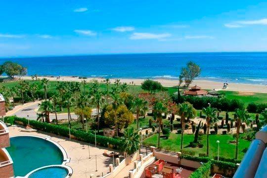 En junio, julio o agosto disfruta de la playa en Oropesa de Mar ¡7 noches en apartamento para 4 personas!