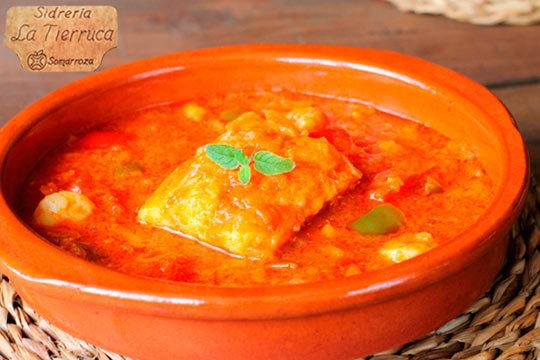 Disfruta de los sabores tradicionales en la sidreria la Tierruca con un exquisito menú de 5 platos