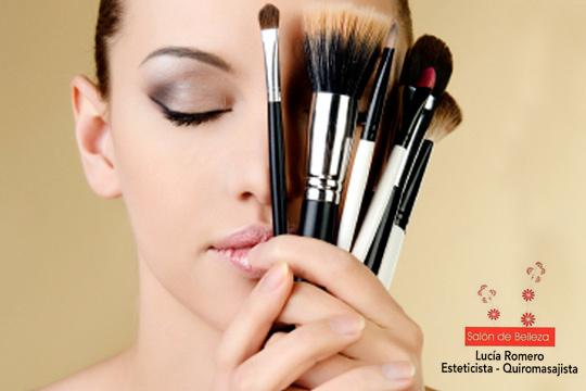 Curso personalizado de Maquillaje de 45 minutos en el Salón de Belleza Lucía ¡Aprende todos los trucos para estar siempre perfecta!