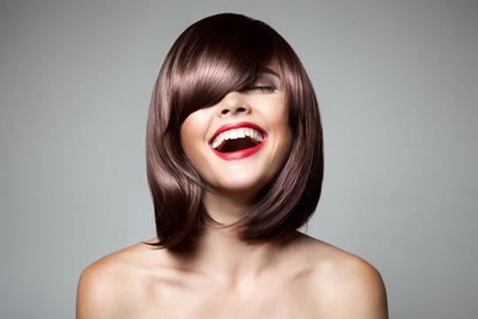 Sesión de peluquería a medida con corte y peinado y opción de tinte o mechas en Noah Galdós ¡New look!