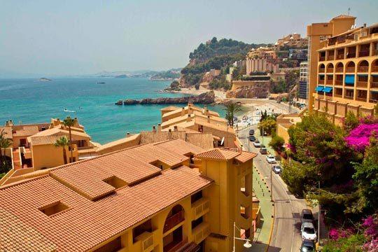 En Semana Santa disfruta de un magnífico apartamento en Altea para 5 personas durante 4 noches ¡Perfectamente ubicado a 150 metros de la playa!