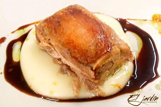 Menú especial con foie, cochinillo, merluza a la brasa y más (Lasarte-Oria)