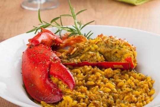 Menú de arroz con bogavante + entrantes + postre + bebida ¡Delicioso!