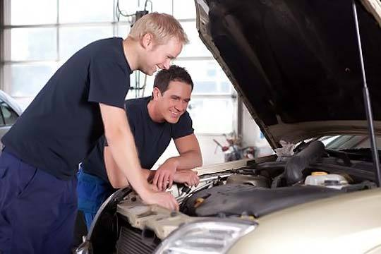 Revisión + cambio de aceite y filtro + lavado exterior del vehículo en lavacoches Arana ¡Tu coche a punto y reluciente!