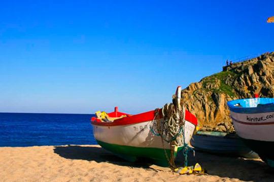 Este verano disfruta de las vacaciones que te mereces con 7 noches en hotel 3* en Blanes, Gerona, en régimen de media pensión ¡Para 3 personas!