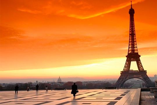 Disfruta de 2/3/5 noches con desayuno en París ¡Te alojarás en el Hotel Abrial, en el centro de París!