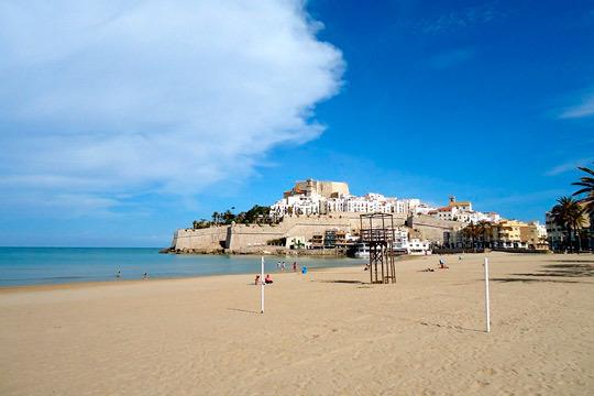 Este verano descansarás en las playas de Peñíscola con 7 noches en los apartamentos Font Nova