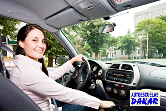 Consigue el carné de conducir B en Autoescuelas Dakar con Matrícula + Teoría + 5 Prácticas