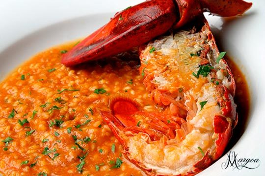 Exquisito arroz con bogavante en el restaurante Margoa del Gran Hotel Lakua 5* ¡Un plato de lujo en un ambiente exclusivo!