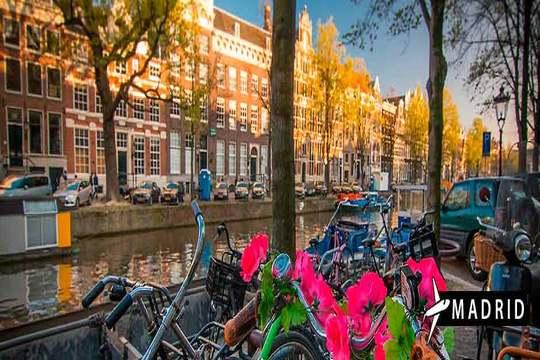 Puente de diciembre a Ámsterdam ¡Vuelo + 4 noches de hotel + desayuno!