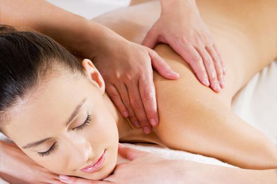 Alivia el dolor muscular y siente el auténtico bienestar con una sesión de masaje descontracturante en Bizi Natura ¡Relaja y mejora tu cuerpo!