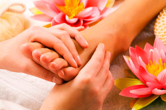 Libera tensiones con una sesión de reflexología podal en el centro especializado En El Clavo ¡Masaje manual y especializado!