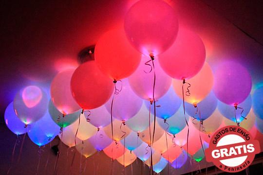 Haz que tus fiestas sean las más animadas con este pack de 10 globos LED de diferentes colores