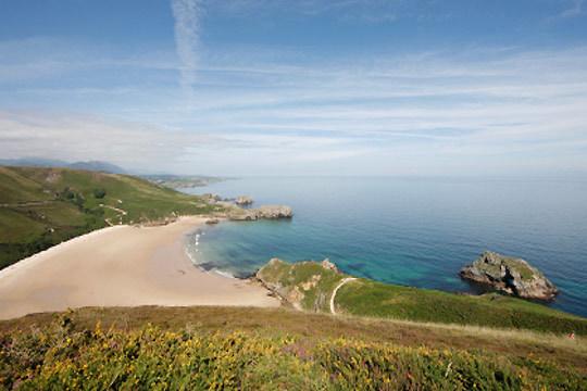 Escápate a Asturias en el puente de mayo con 3 noches y desayunos en el hotel Casa de Aldea Ruiloba en Ribadesella
