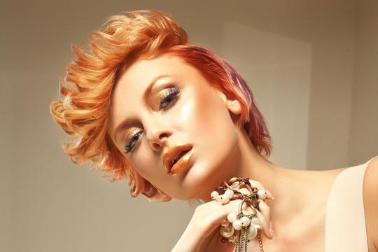 Consigue un color radiante y un corte de tendencia con una completa sesión de peluquería ¡La más guapa!