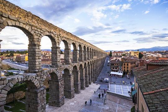 Este puente de mayo disfruta de 3 noches en un hotel 4 estrellas en Segovia ¡Descubre los mejores rincones de esta coqueta ciudad!