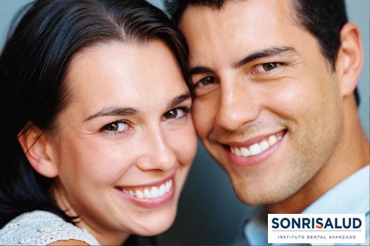Completa limpieza bucal con aclarado de manchas en Sonrisalud ¡Porque tu sonrisa es algo muy importante!