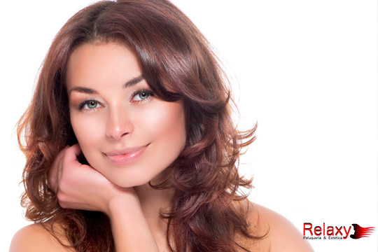 Cuida tu rostro con una limpieza facial o una depilación de cejas y labio en Relaxy ¡Combina los dos tratamientos para estar perfecta!