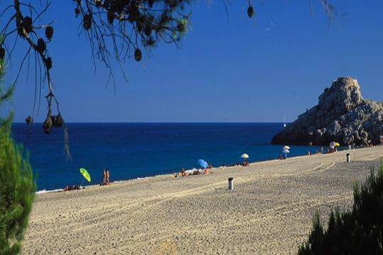 Julio y agosto a la costa dorada: 7 noches en media pensión
