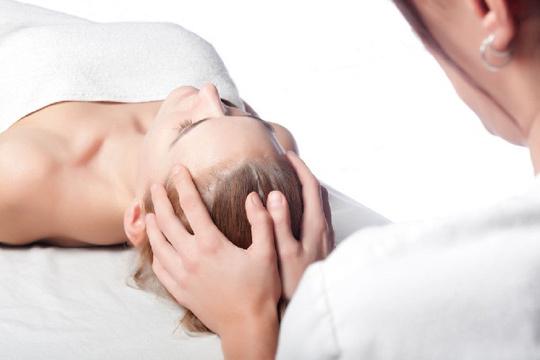 Reequilibra mente y cuerpo con una sesión de osteopatía sacrocraneal de 60 minutos ¡Apto para adultos, niños y bebés!