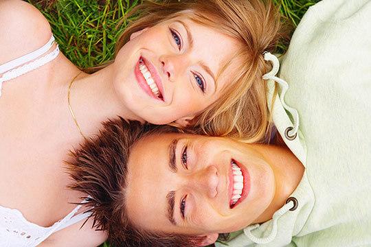Combate el desgaste dental y la tensión sobre la mandíbula con una férula de descarga semirrígida y revisión en Unnion Dental