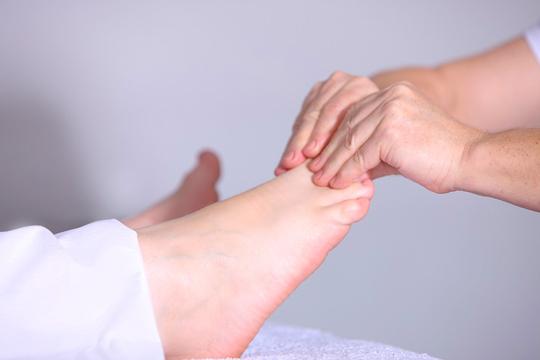 1 o 2 sesiones de reflexología podal de 20 o 40 minutos en el Centro En El Clavo ¡Puro relax para tu cuerpo y mente!