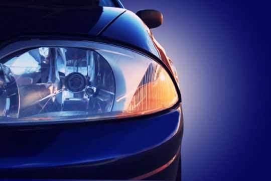 Mejora tu visión en carretera con el pulido de faros delanteros con opción a lacado y lavado exterior ¡Aumenta tu visbilidad!