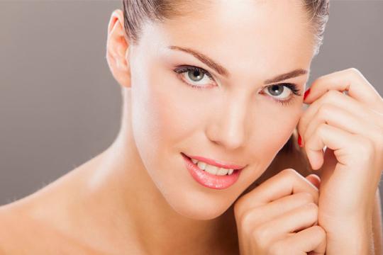 ¡Rejuvenece la piel desde el interior! Sesión de dermorrecuperación facial por colágeno en Exotic Touch