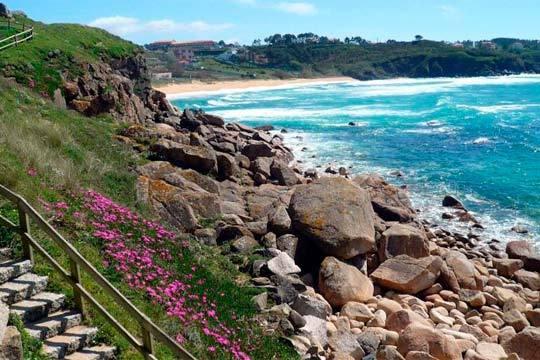 ¡Descubre la belleza de la costa gallega esta Semana Santa! 4 o 7 noches en el Hotel Brisa de Sansenxo con desayunos incluidos