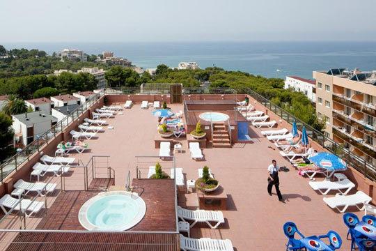 Esta Semana Santa haz una escapada en familia a la playa con 4 noches de alojamiento en hotel ¡Un niño se aloja gratis!
