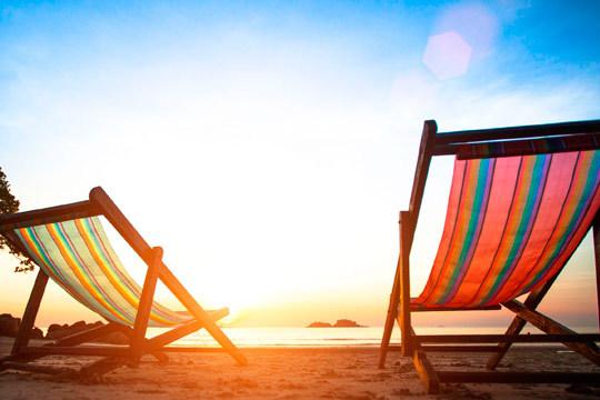 Disfruta en familia de unas verdaderas vacaciones en pensión completa en la Costa Dorada ¡4 noches en el apartahotel Solimar!