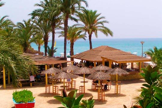 Disfruta de un soleado verano en Alicante con 7 noches en hotel en régimen de media pensión ¡Vacaciones de lujo al lado del mar!