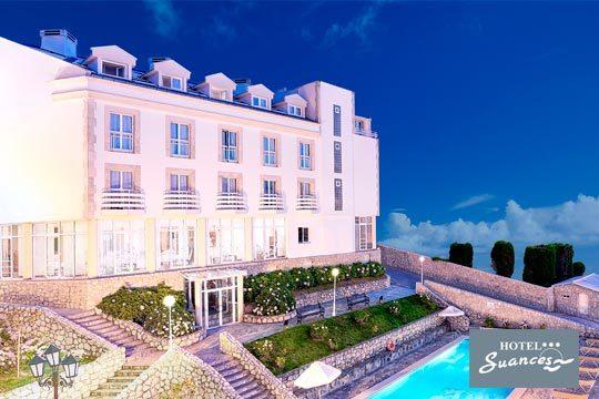 ¡Escapada con vistas al mar! Noche con desayuno, cena y visita a bodega en el hotel Suances