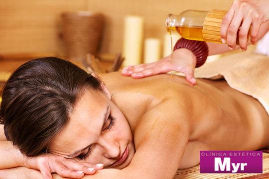 Siente el auténtico relax y bienestar con un masaje relajante con aceites esenciales o un masaje circulatorio o relajante con peeling corporal en Estética Myr ¡Cuerpo renovado!