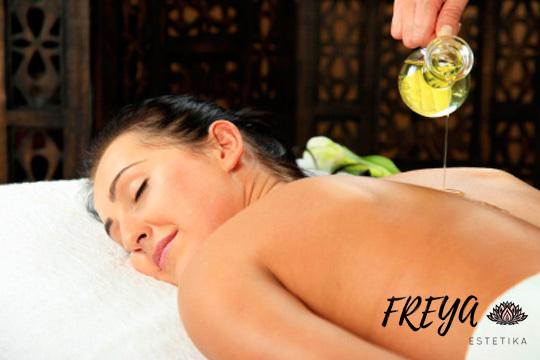 Acércate a Freya Estetika y elige entre 1 o 2 masajes relajantes, descontracturantes ¡O date un capricho con el masaje especial de cuerpo entero!