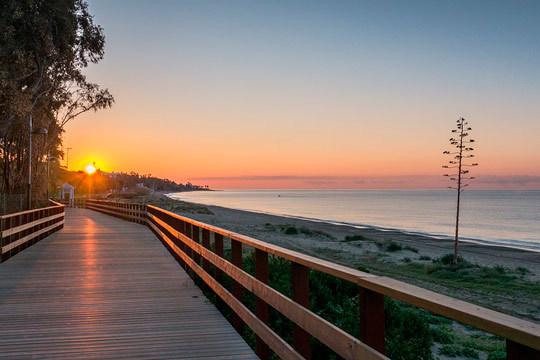 Disfruta de unas merecidas vacaciones en Marbella con 7 noches en media pensión en el hotel Roc Marbella ¡Para 2 adultos + 1 niño!