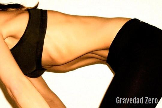 ¡Consigue un vientre plano y fuerte con abdominales hipopresivos! Curso de 4 o 6 clases en Gravedad Zero