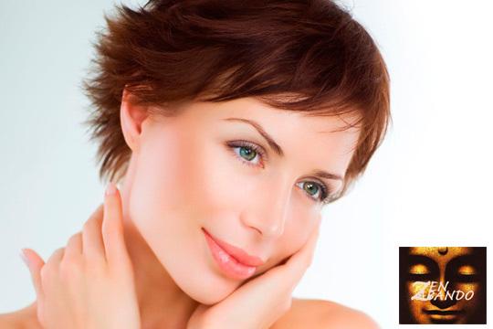 Facial con extracción, arreglo de cejas y depilación de labio superior