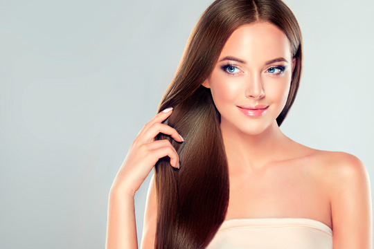 Cuida tu melena y dale más brillo con 3 sesiones de peluquería con lavado, masaje craneal y peinado con plancha  ¡Presume de una melena de infarto!