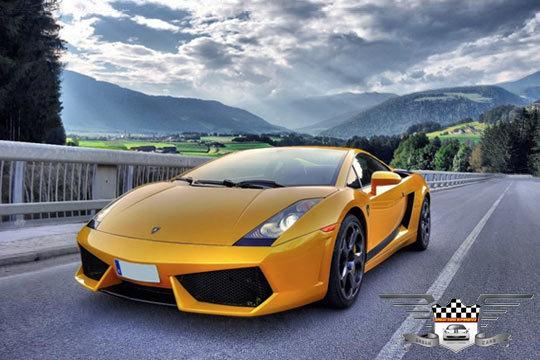 Conduce un Porsche, Corvette C-6, Ferrari o Lamborghini ¡Con opción de hotel + desayuno y cena para 2 personas!