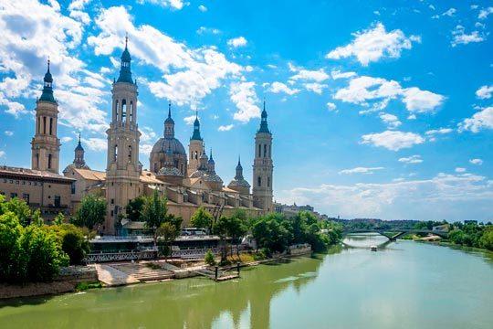 Del 6 al 12 de diciembre descubre Zaragoza con una estancia de 4 noches con desayunos en el hotel Zaragoza Royal