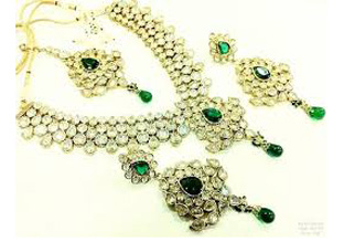 Ladies Jewelries